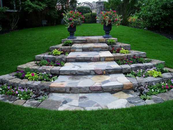 Why use landscaping stones Backyard landscaping ideas with stones